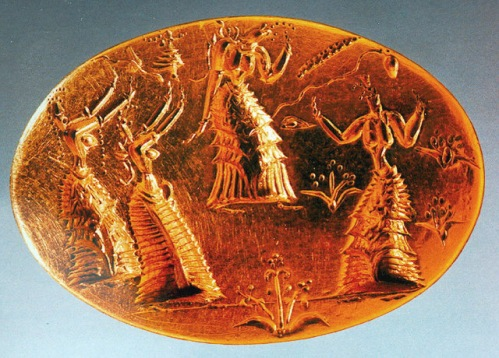 Selo de ouro cretense com refferencia à mulheres-abelha
