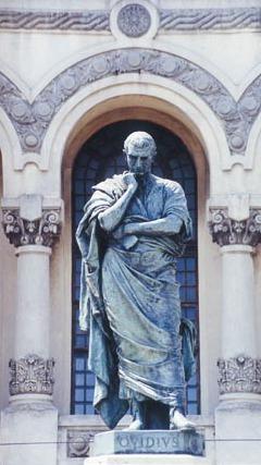 Estátua de Ovídio